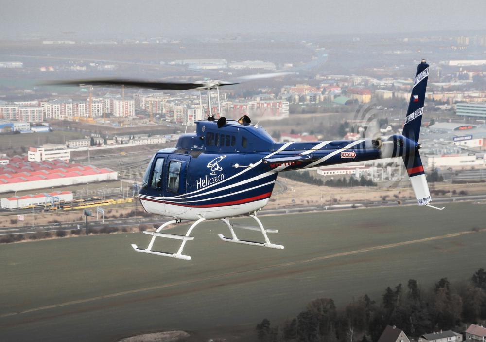ČERČANY a okolí   Let vrtulníkem BELL 206 (19.06.2022)