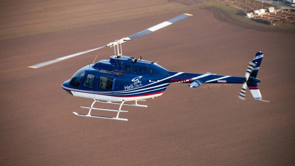 BENEŠOV a okolí | Let vrtulníkem BELL 206 (23.07.2022)