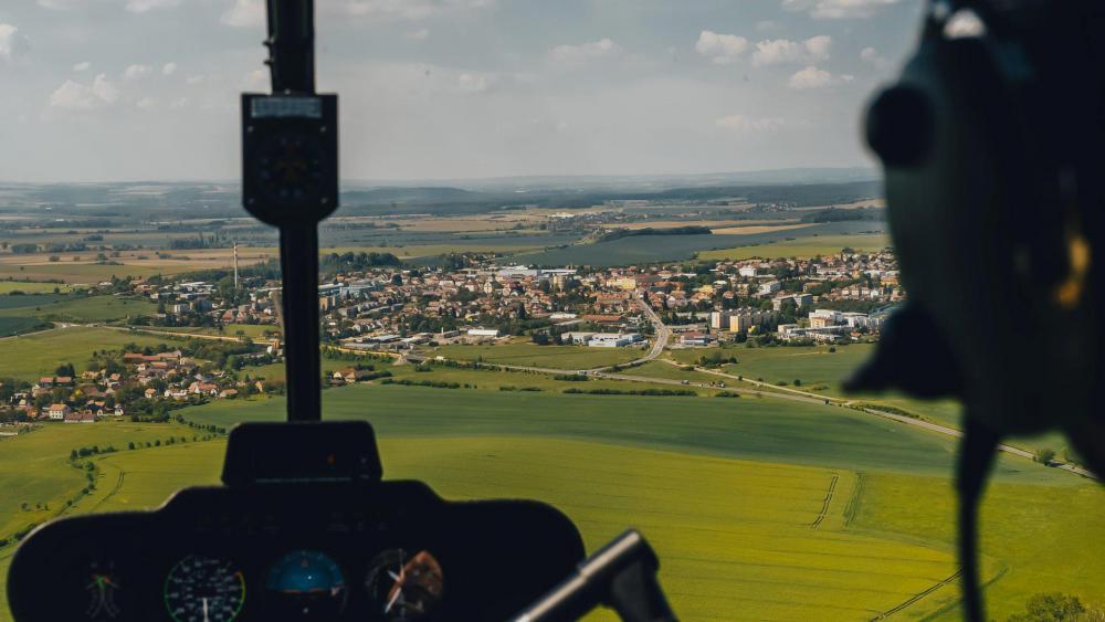 ČESKÁ SKALICE a okolí   Let vrtulníkem (15.04.2022)