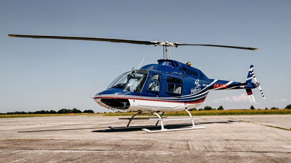 CHLUMEC NAD CIDLINOU a okolí | Let vrtulníkem BELL 206 (01.05.2022)