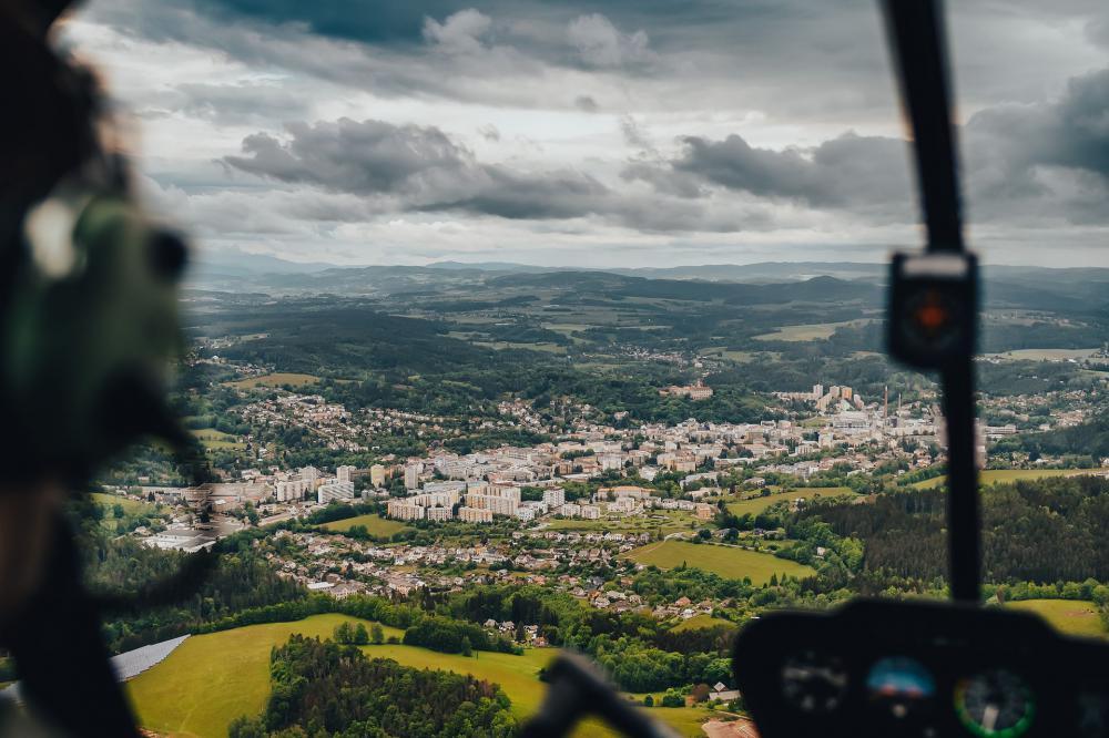 NÁCHOD a okolí | Let vtulníkem BELL 206 (15.04.2022)