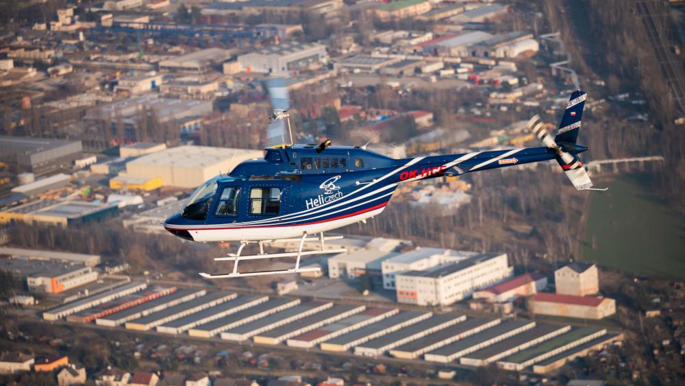 VLAŠIM a okolí | Let vrtulníkem BELL 206 (23.07.2022)