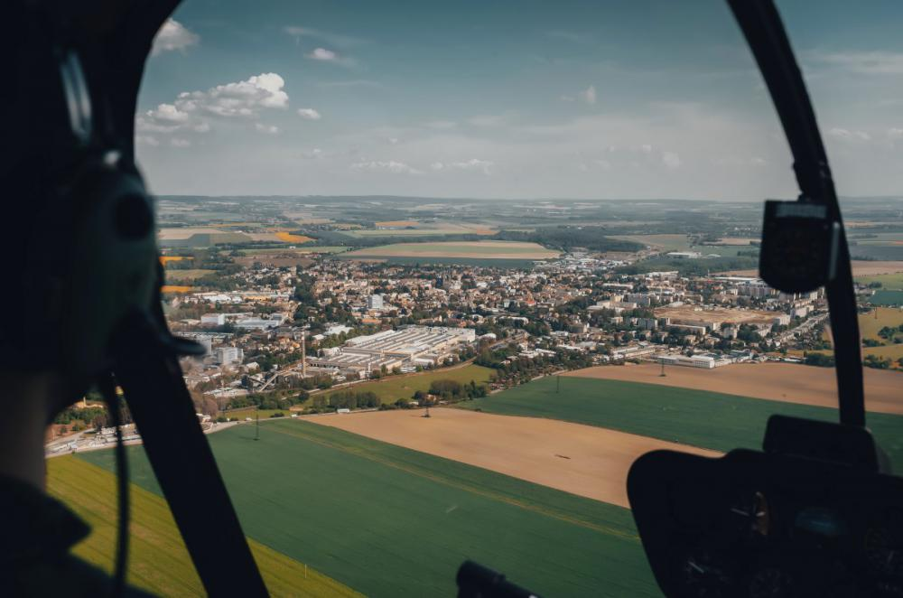 VYSOKÉ MÝTO a okolí   Let vrtulníkem BELL 206 (27.08.2022)